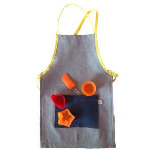 delantal de cocina para niños con moldes para muffin y espátula de silicona